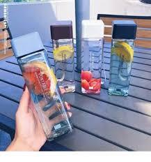 <b>Бутылки для воды</b>