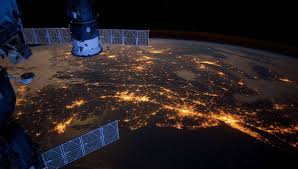 NASA <b>astronaut</b> films breathtaking view of the <b>night sky</b> from the ISS