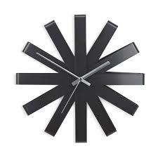 <b>Часы настенные Ribbon</b>, <b>чёрныe</b> 118070-040 от Umbra за 4 900 ...