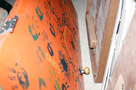 craigslist killer crime scene photos com crime scene photos from brady oestrike s home in wyoming where he held brooke slocum captive for five days before killing her and then killing himself after