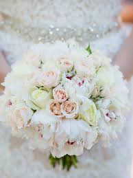 20 Romantic White <b>Wedding Bouquet</b> Ideas