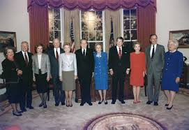 filepresident and mrs bush pose with the former presidents and first ladies in bush library oval office