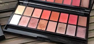<b>Makeup Revolution New-trals</b> VS Neutrals Eyeshadow Palette