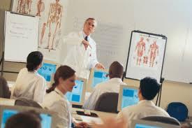 Resultado de imagem para imagem sala de aula curso medicina