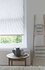 meadow roller blind country garden patterned kitchen  ideas about country roller blinds on pinterest rustic roller blinds p