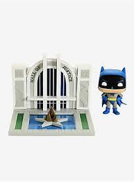 <b>Funko</b> DC Comics <b>Pop</b>! <b>Town Batman</b> With The Hall Of Justice <b>Vinyl</b> ...