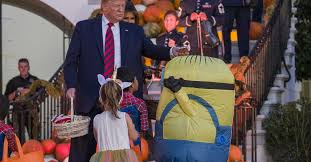President Trump gave candy to a trick-or-treater in an unusual way ...