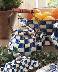 Luxury <b>Gifts</b> & Unique <b>Gift</b> Ideas at Neiman Marcus
