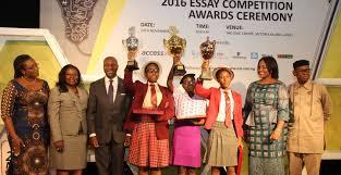 ifeoluwa abiodun emerges winner of the nse essay competition 2016 nse essay competition award pix b jpg