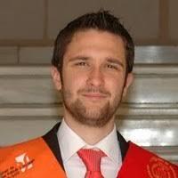 José Manuel Rivas Otero nació en Cádiz. Realizó la doble licenciatura de Ciencias Políticas y Derecho en la Universidad de Granada entre 2005 y 2011. - JoseManuelRivasOtero