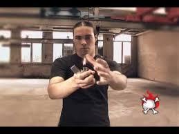 Трюки с <b>зажигалкой Zippo</b> - YouTube