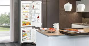 Высокий <b>встраиваемый холодильник</b> от <b>LIEBHERR</b> SBS 33i2