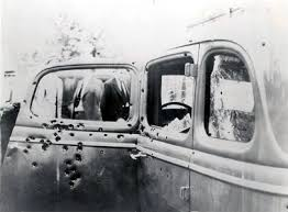 「bonnie and clyde killed photos」の画像検索結果