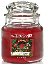 """<b>Свеча</b> в стеклянной банке """"Красный яблочный венок"""" - Yankee ..."""