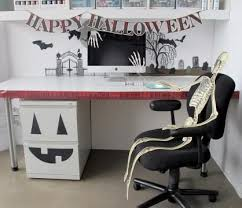 crafty ideas for decorating an office for halloween charming desk decorating ideas work halloween