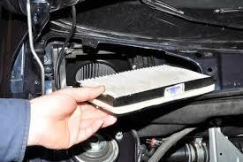 Lada Granta: меняем <b>салонный фильтр</b> и прочищаем дренажное ...