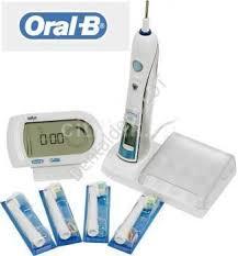 Электрическая зубная щетка <b>Oral-B Triumph</b> 5000