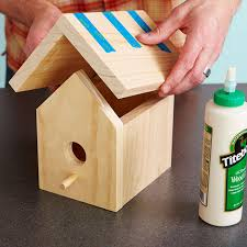 Easy One Board Bird House PlansPlace roof on birdhouse