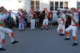<b>Folk costume</b> - Wikiwand