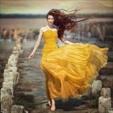 Девушка в желтом платье на природе | Сolor yellow- in painting ...