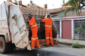 05/11 - Ouvinte reclama de sujeira provocada por caminhão de lixo