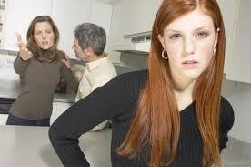 Давление родных - частая причина, по которой люди решаются на отношения без любви