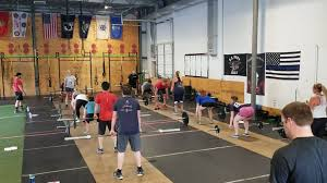 CrossFit Pneuma - 8am CrossFit Family getting after it!...