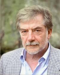 Hans-Joachim Maaz … … ist seit 40 Jahren praktizierender Psychiater und ...