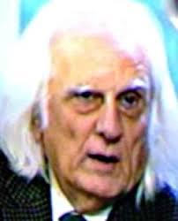 Arturo González es un periodista de origen gallego, que se ha hecho conocido por sus constantes 'salidas de tono' en tertulias de radio y televisión. - arturogonzalez_250x310