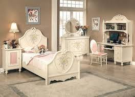 m charmingly bedroom furniture sets for teenage girls bedroom design with beige rugs and brown wall paint themes 744x538 beige bedroom furniture