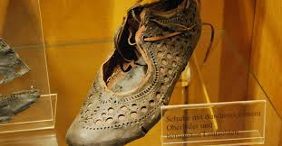What an Ancient <b>Roman Shoe</b> Found in a Well Tells Us About <b>Fashion</b>