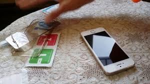 Клеим <b>защитное стекло</b> ( <b>зеркальное</b> ) на экран телефона ...