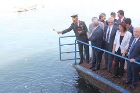 Atatürk'ün ayak bastığı yere karanfil bıraktılar