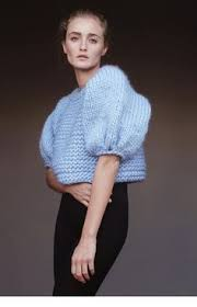 Розовый <b>пушистый</b> пуловер с бантом. <b>Вязание</b> спицами ...