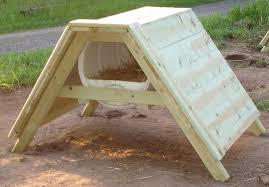 How to Build a Sled Dog House   Plans Materials Design Videohow to build a sled dog house gallon barrel diy