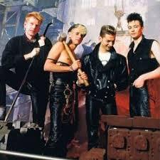 <b>Walking In My Shoes</b> - Depeche Mode - CIFRA CLUB