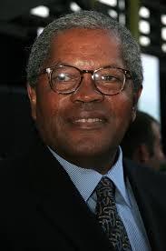 Clarence William III - Hallmark Channel 2006 Summer TCA Party - Inside - Clarence%2BWilliam%2BIII%2BHallmark%2BChannel%2B2006%2BjMmZfFPGxWTl