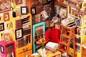<b>DIY Miniature Dollhouse</b>
