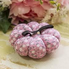 <b>Игольница</b>. <b>Цветы</b> на розовом