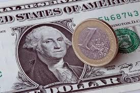 Risultati immagini per dollaro e l'euro