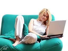 Совершаем покупки на диване