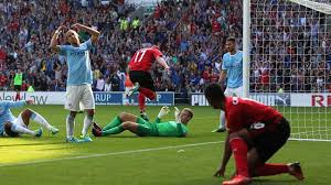 Manchester City 2-0 Cardiff City : Manchester City, avec Kompany, s
