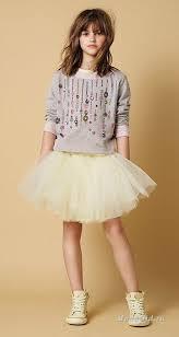 Комфорт и красоту в одежде сочетать непросто, но дизайнерам ...