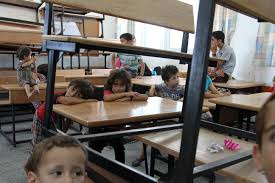 photo essay palestinians flee i aggression in northern gaza inside an unrwa school 13 2014