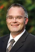 Jens Bäter ist neuer Direktor im Lindner Parkhotel & Therme, Bad Griesbach. Der 39-Jährige kehrt damit an einen früheren Arbeitsplatz zurück: Von 2000 bis ... - jens_baeter