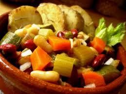Chế độ ăn uống giàu dinh dưỡng giúp cơ thể khỏe mạnh chống lại stress