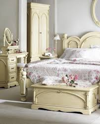 Shabby Chic Bedroom Lamps Bedroom Old Chair Vintage Door And Lovely Lamp Make The Bedside