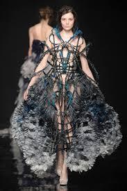 avant garde fashion 4 yiqing yin autumn winter 2012 paris haute couture fashion week copyright catwalkingcom one avant garde