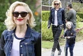 Gwen Stefani - How to Wear Red Lipstick in the Daytime - StyleBistro