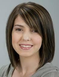 Yuvarlak Yüz Şekli için Doğru Orta Saç Stili